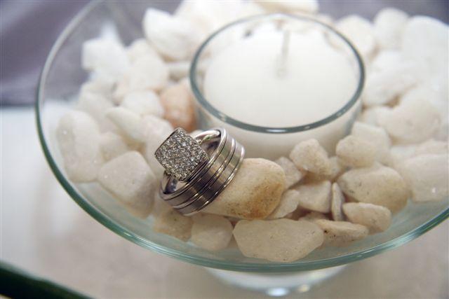 Zuki Hani's beautiful embellished engagement ring with her husband Mnimzwe's wedding band.